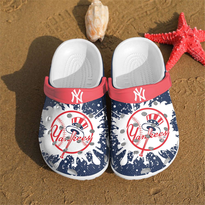 New York Yankees Crocs Clog Shoes